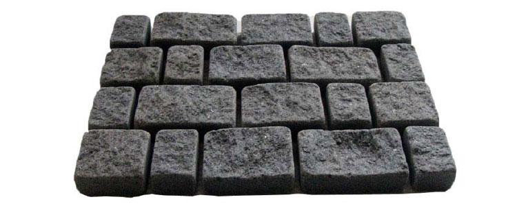 GM0355 - Jet black mesh granite random brokenline pattern.