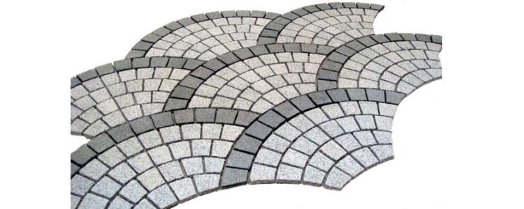 GM0335 - Salt and pepper and jet black border granite fan pattern.