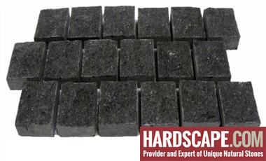 GM0339 - 4x4 Jet Black mesh granite - sides cut - natural.